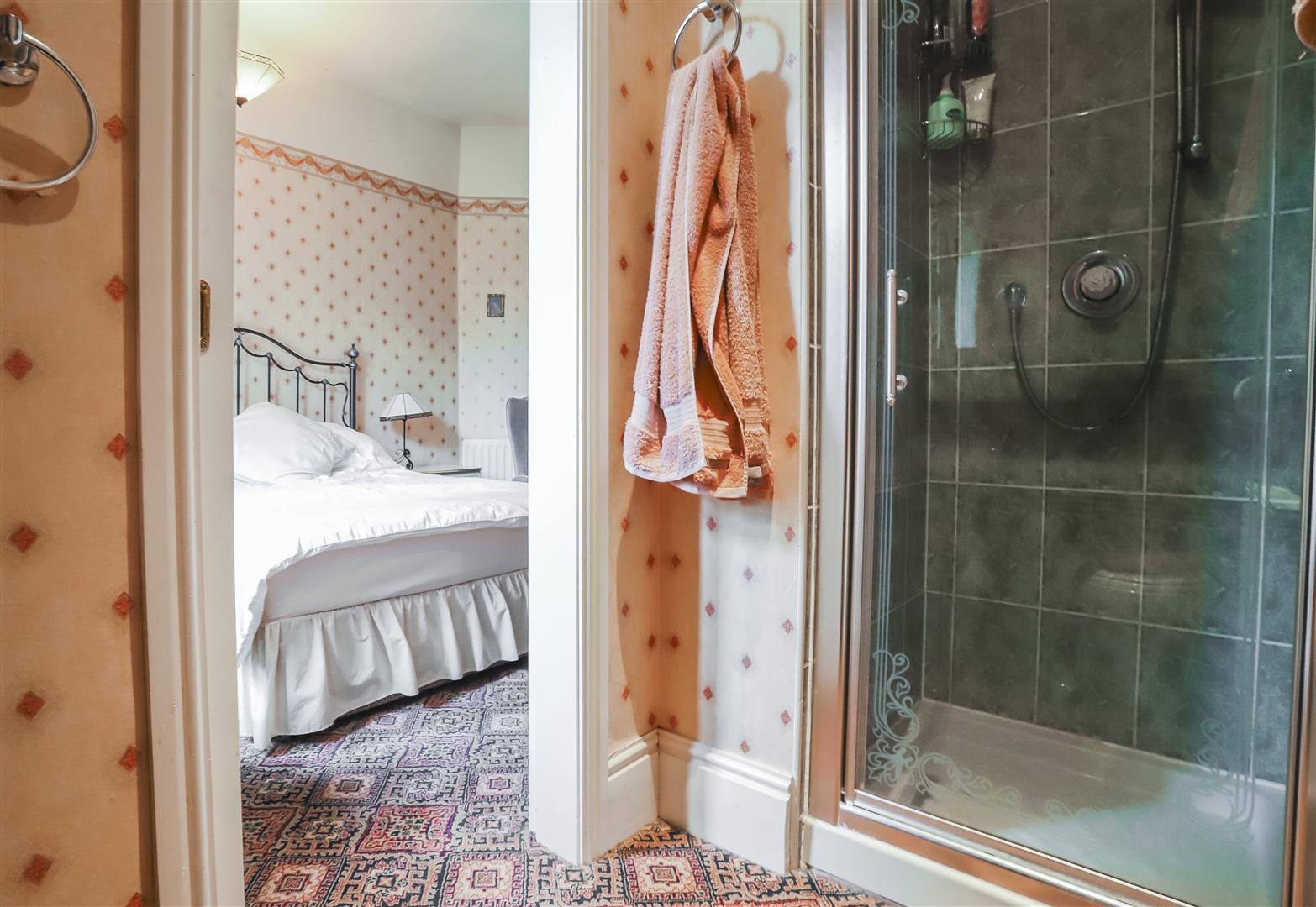 5 Bedroom Detached House For Sale - Image 53